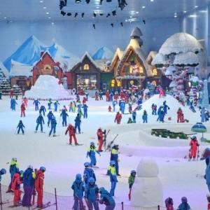 张义威现身昆明融创雪世界 携手升级昆明滑雪运动