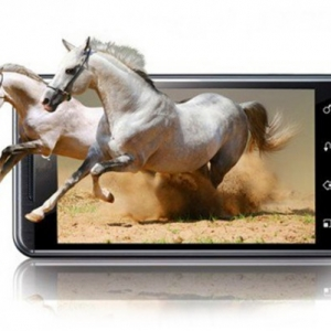 《囧妈》西瓜首发与裸眼3D手机膜 电影市场或将引发变革?