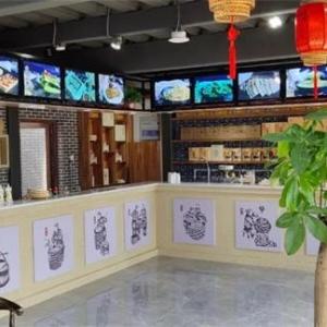 她开了家龙山水豆腐店,没想到竟一举成功!